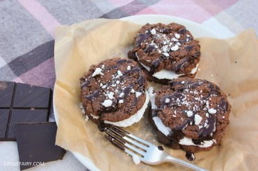 pieday friday baking recipe microwave meringues chocolate cookies-13