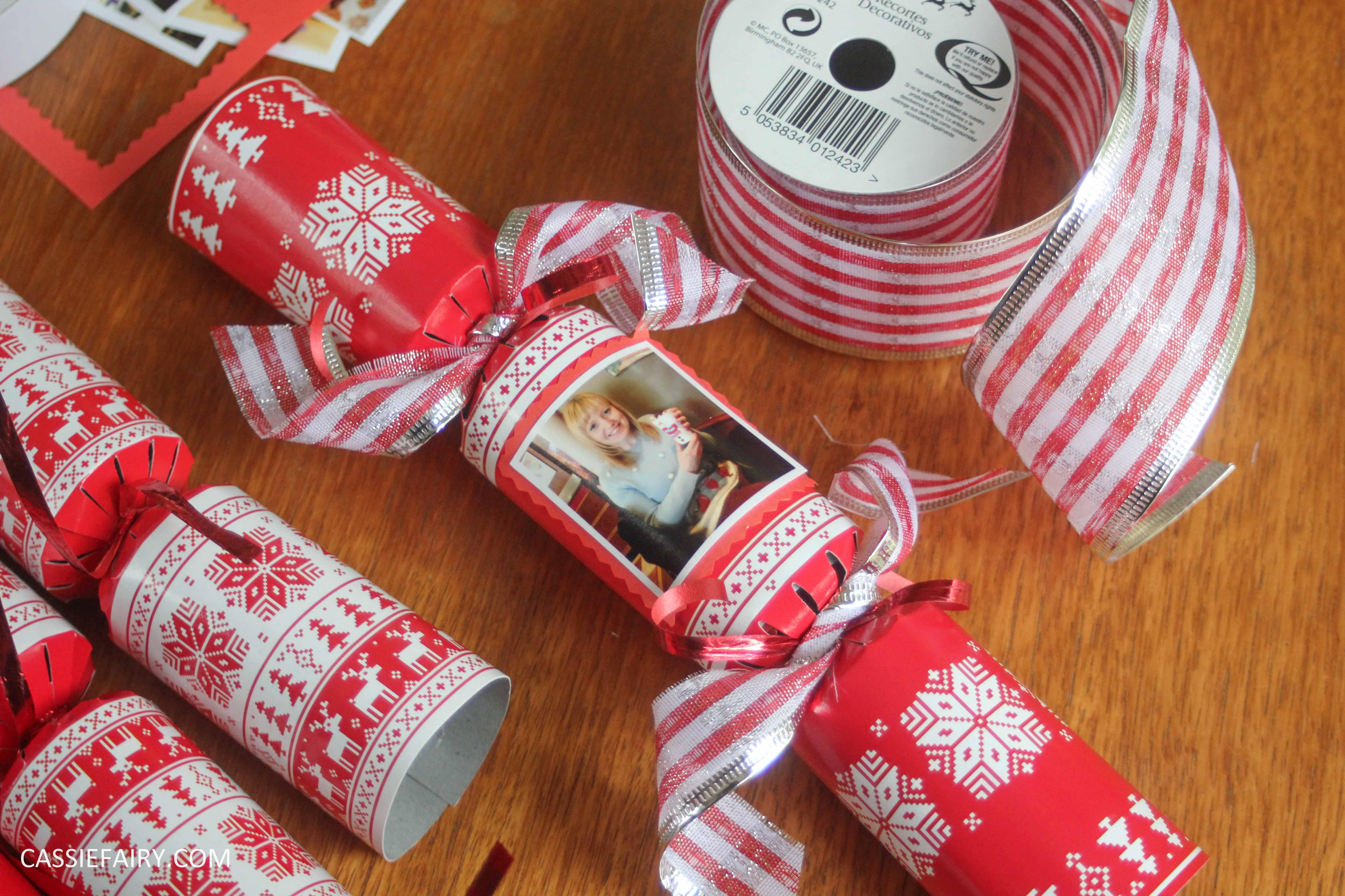 My pretty festive table & DIY personalised Christmas ...