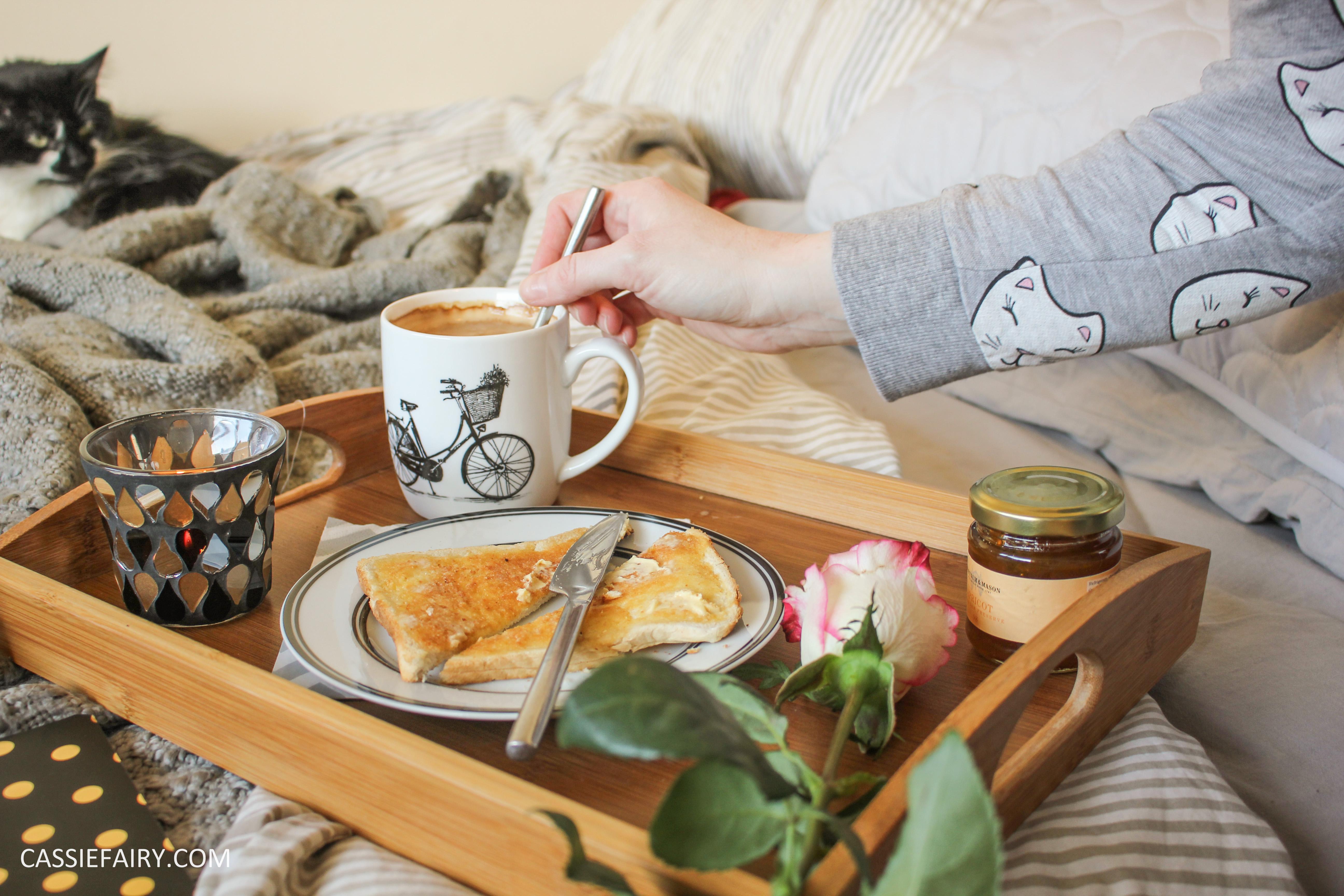 DIY Romantic Breakfast In Bed Valentines Day Ideas