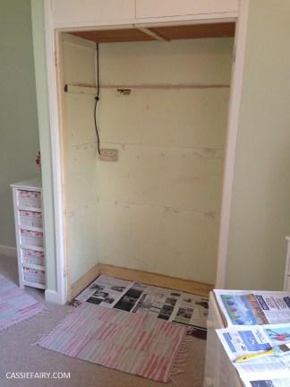 bright colour pink painted bedroom cupboard wardrobe interior diy interior design idea-4