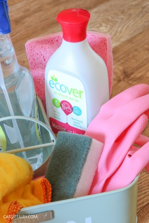 thrifty low cost summer cleaning hacks kitchen bathroom diy cruelty free-7