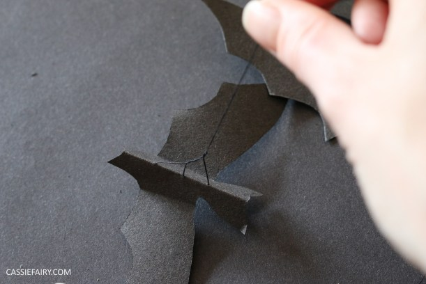 halloween-flying-paper-bat-garland-decoration-tutorial-step-by-step-thrifty-diy-project-3