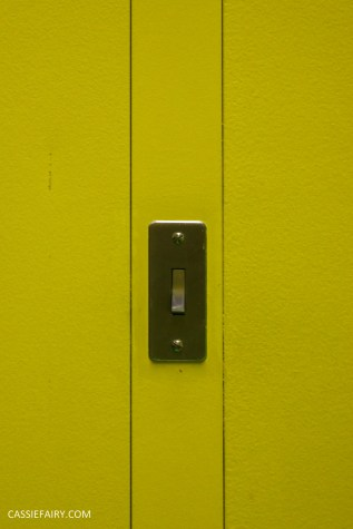 norman-foster-utopian-black-glass-willis-building-ipswich-suffolk-yellow-and-green-interior-office-70s-1970s-24