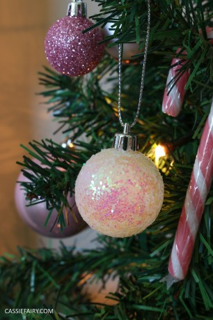 christmas-decorations-pink-heritage-vintage-glittery-trend-winter-2016-baubles-decorations-xmas-14