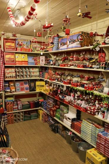 christmas-shopping-blackthorpe-barn-santas-grotto-festive-days-out-suffolk-6