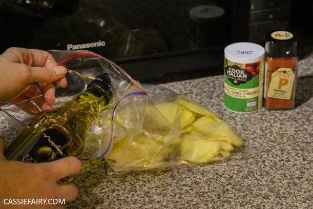 pieday-friday-diy-low-fat-healthy-microwave-crisps-recipe-parmesan-paprika-salt-pepper-6
