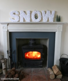 cassiefairy-thrifty-christmas-snow-sign-project-diy-mantlepiece-christmas-decoration-festive-decor-19