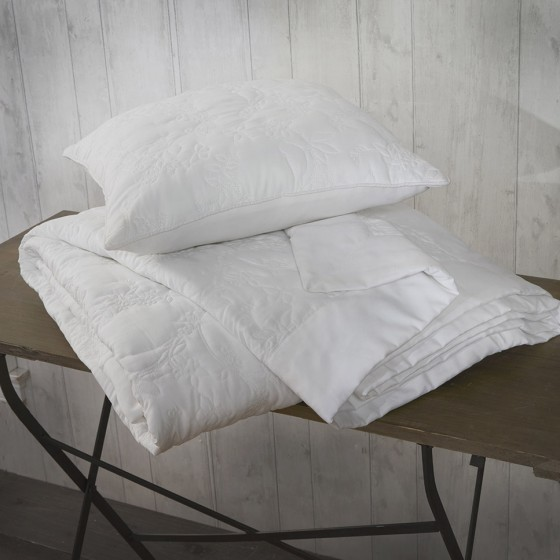 textured white-cushion-throw