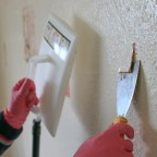 Household DIY – How to strip woodchip wallpaper, the easy way!