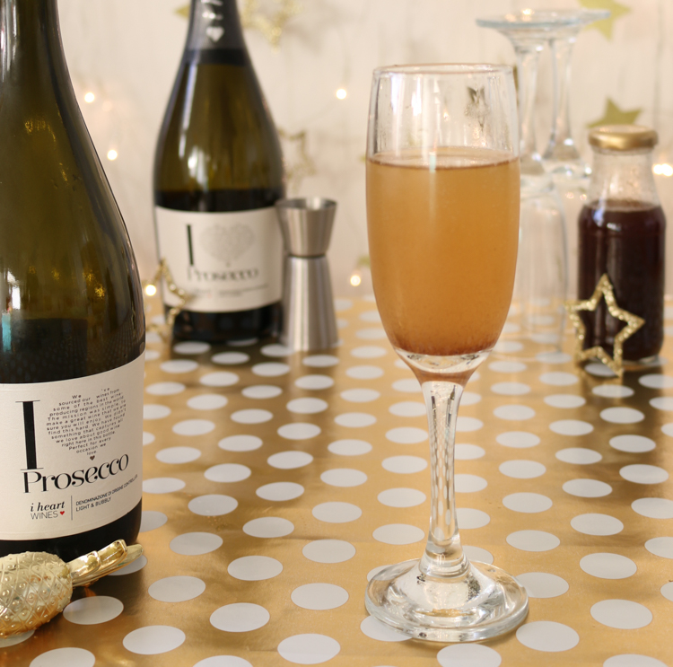Gingerbread syrup recipe + festive gingerbread prosecco cocktail