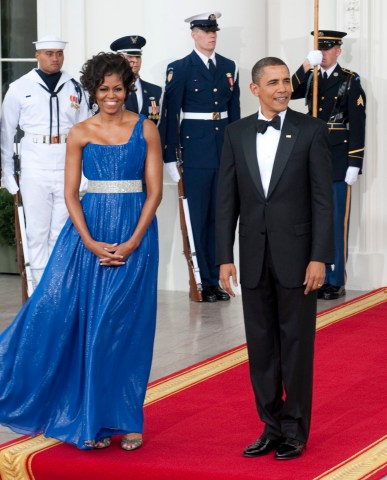 President Barack Obama and First Lady Michelle Obama welcomes Mexican President Felipe Calderon and Mrs. Margarita Zavala to the evenings State Dinner at the White House.