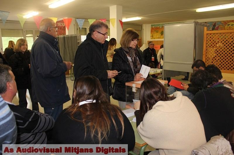 Especial Eleccions 25-N : La participació a Castellbell i el Vilar  a les dues del migdia supera dos punts respecte a la del 2010