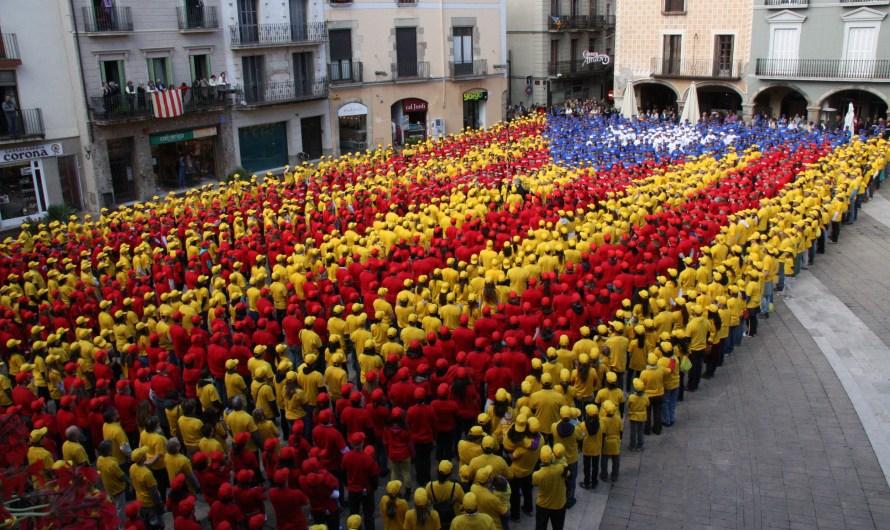 Més d´un centenar de vehicles amb estelades passen per Castellbell i el Vilar  cap a Manresa on aquest migdia és farà la estelada humana més gran de la comarca