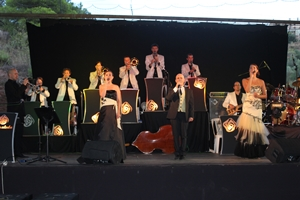 L´orquestra Rosaleda  delecta amb cançons de sempre al concert de FM de Castellbell i el Vilar