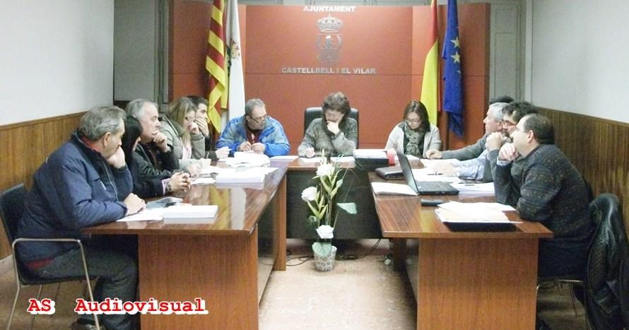 El darrer ple municipal del 2013 a castellbell  : tensió entre PSC i ERC