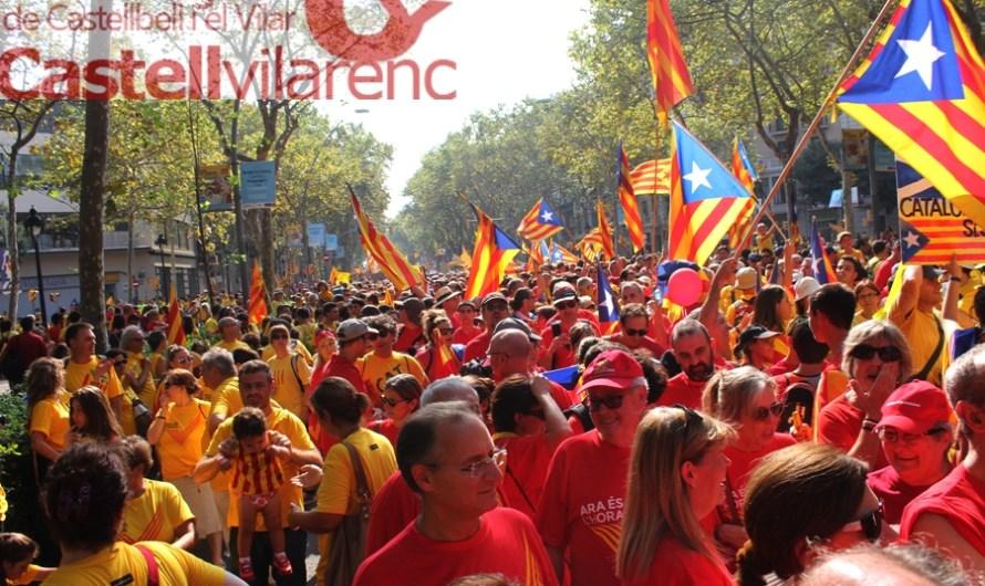 Quatre busos surten de Castellbell i el Vilar per anar a la V que es va fer a Barcelona .