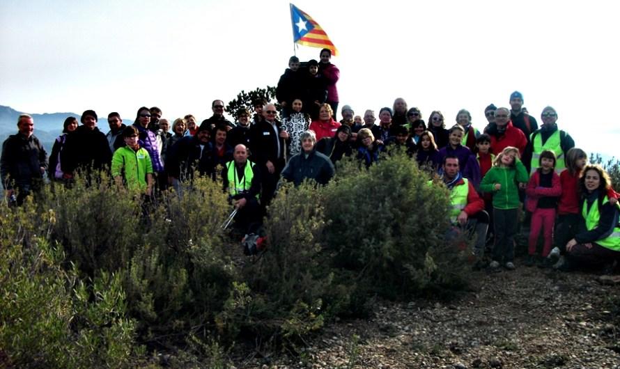 4rt.sortida de Ruta en Família Caminada de Nadal : Pujada del Pessebre al Turó de l' Escletxa (441m.) acte de col.laboració amb la Marató de TV3 Diumenge, 13 de Desembre del 2015