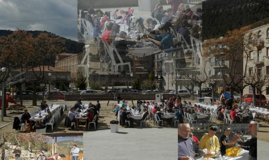 Un centenar de persones participen a la primera calçotada popular de Castellbell i el Vilar.