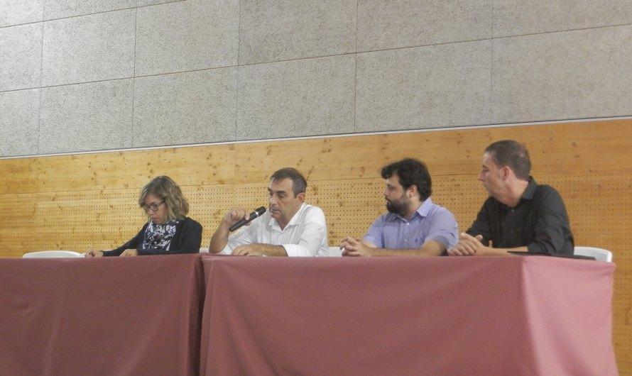 Tensió a la reunió entre veïns i ajuntament de Monistrol per l'afer de l'aigua contaminada amb gasoil