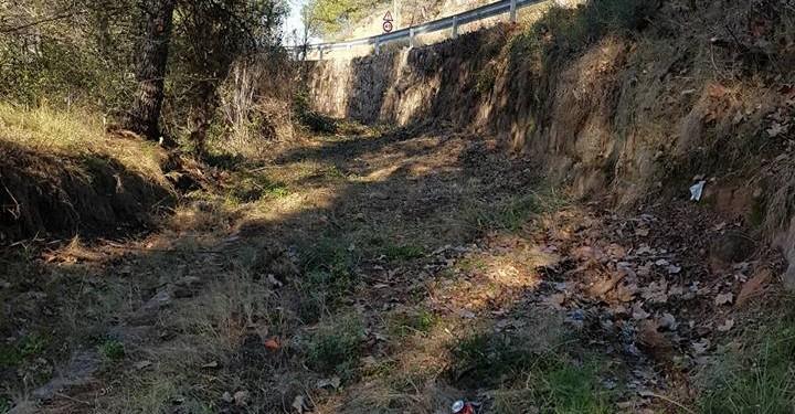 Castellbell i el Vilar inicia la neteja del sender que ressegueix l'antic camí del cremallera de Montserrat