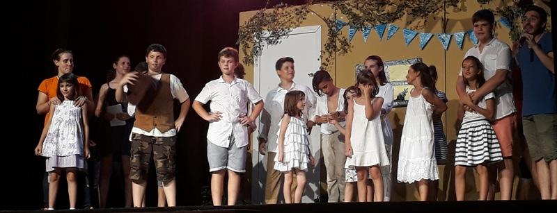 """Lleure2mil porta amb èxit el musical """"Mama Mia"""" a Castellbell i el Vilar."""