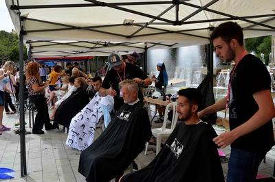 Molt bona resposta de Súria a la crida de Barbers Solidaris a favor de l'Hospital de dia d'Oncologia i Hematologia d'Althaia