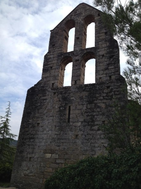 Sant Pere de Vallhonesta