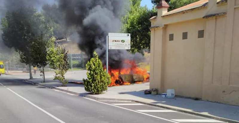 S'incendia un vehicle mentre es dirigia a la deixalleria de Castellbell i el Vilar