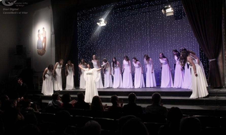 """Les veus del cor femení """"Cantabile"""" de Chisinau (Moldàvia) enamoren al públic del Burés."""