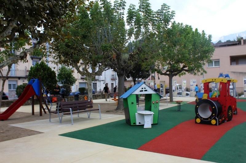 Inaugurada la plaça del Cremallera.