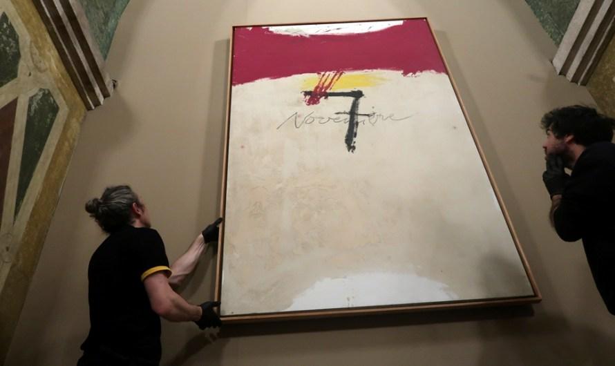 El quadre '7 de novembre', d'Antoni Tàpies, torna al Parlament