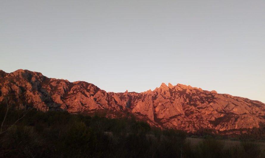 Així és la posta de sol a l'altra banda de Montserrat