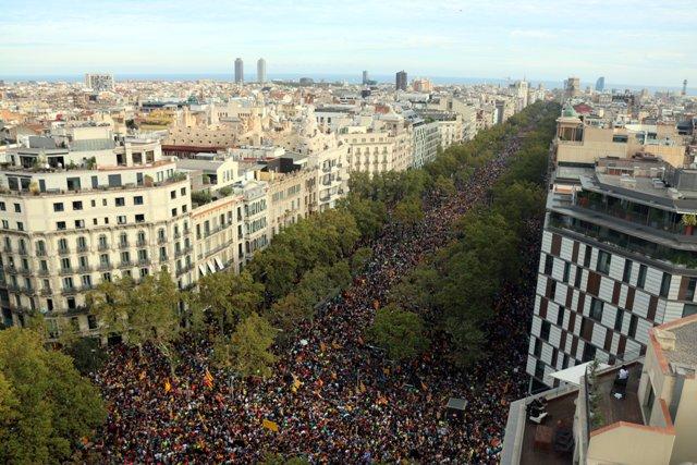 Manifestació massiva al centre de Barcelona per rebutjar la sentència del Suprem