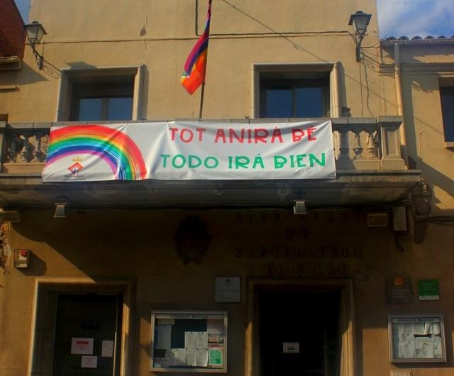 """El Suprem prohibeix l'exhibició de banderes """"no oficials"""" als edificis i espais públics"""