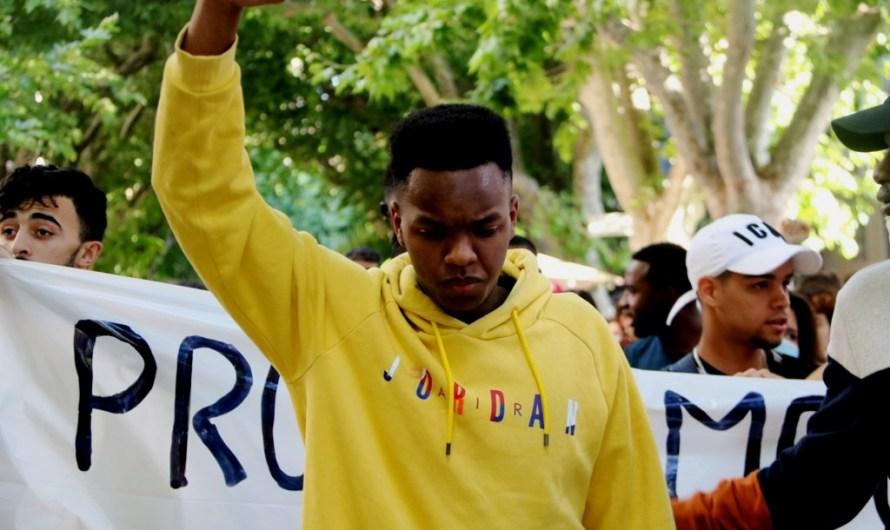 Centenars de persones protesten pels carrers de Manresa contra la presumpta agressió racista al Bages