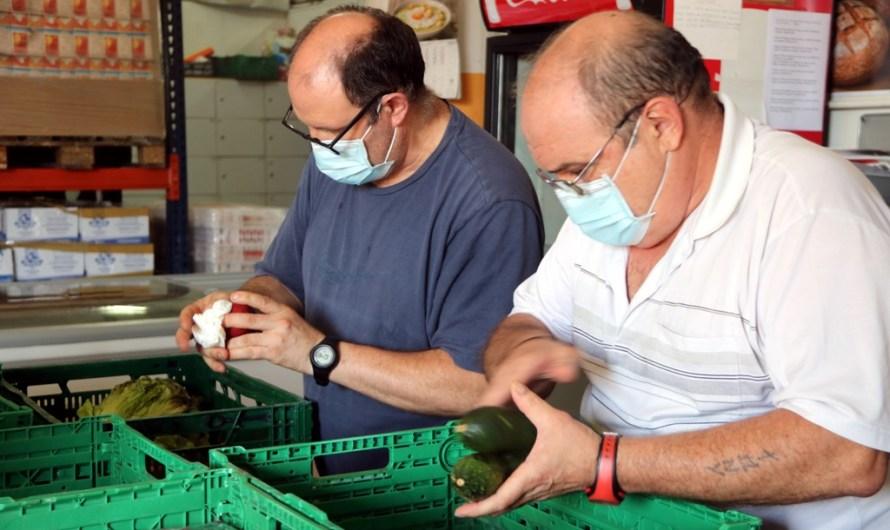 Creix el nombre d'usuaris de la Plataforma d'Aliments de Manresa per culpa de la covid-19