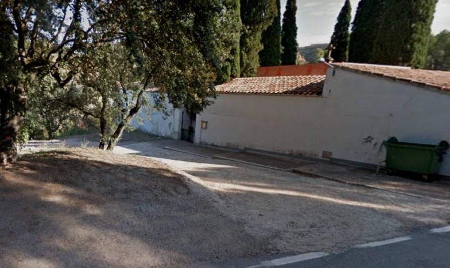 L'Ajuntament de Castellbell i el Vilar investiga l'abocament d'un taüt amb restes humanes a l'exterior del cementiri