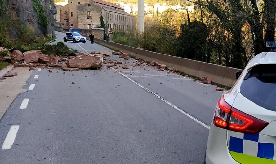 Restablerta la carretera de la Bauma a Monistrol després de patir una esllavissada
