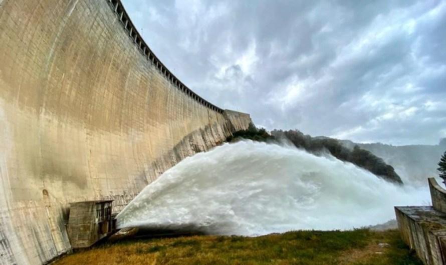 L'ACA incrementa el cabal de sortida de la presa de la Baells per millorar la qualitat del riu Llobregat