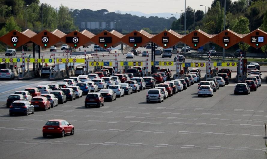 Titulars per la premsa d'avui dilluns 26 d'abril: les mesures de mobilitat centren les portades
