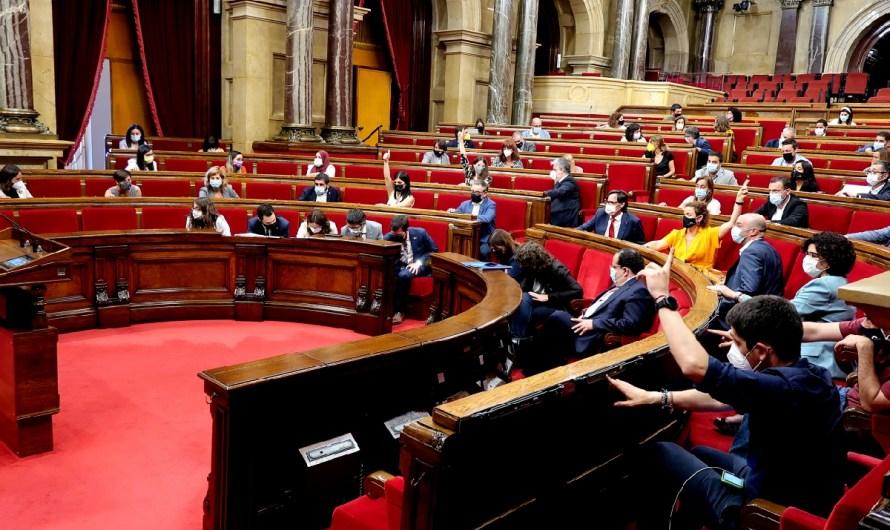 """El Parlament declara Catalunya """"zona de llibertat"""" per a les persones LGBTIQ"""