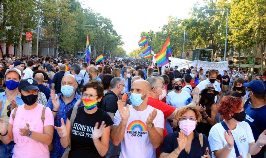 """Barcelona demana """"tolerància zero"""" davant la violència LGTBI-fòbica"""