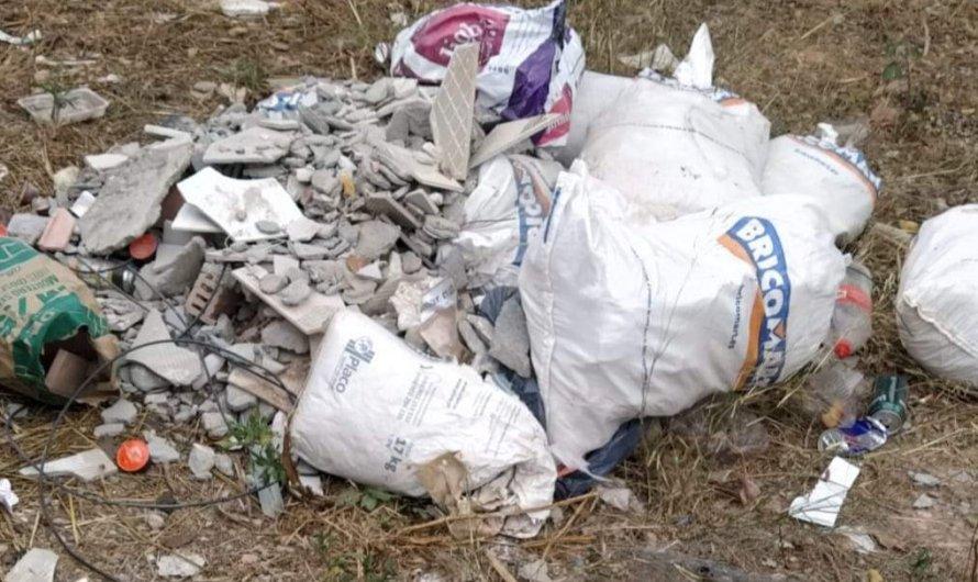 L'Ajuntament de Castellbell i el Vilar conclou tres expedients sancionadors per l' l'abandonament de residus a la via pública