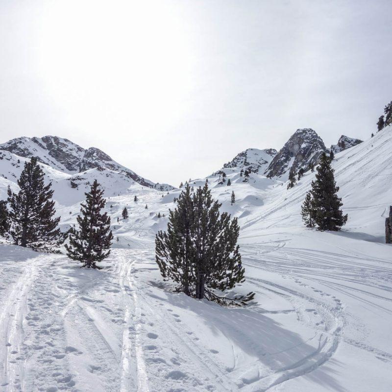Pico Foratulas con esquí de montaña. Casteret guías de montaña