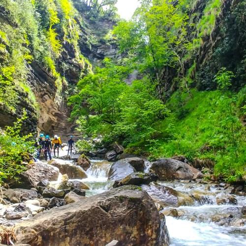 Descenso de barrancos nivel 2 - Casteret guías de montaña