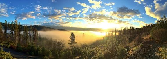 Mt_Shasta_castle_rock_water