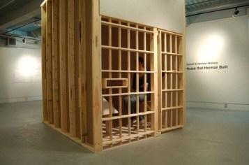 Holznachbau von Herman Wallaces Zelle