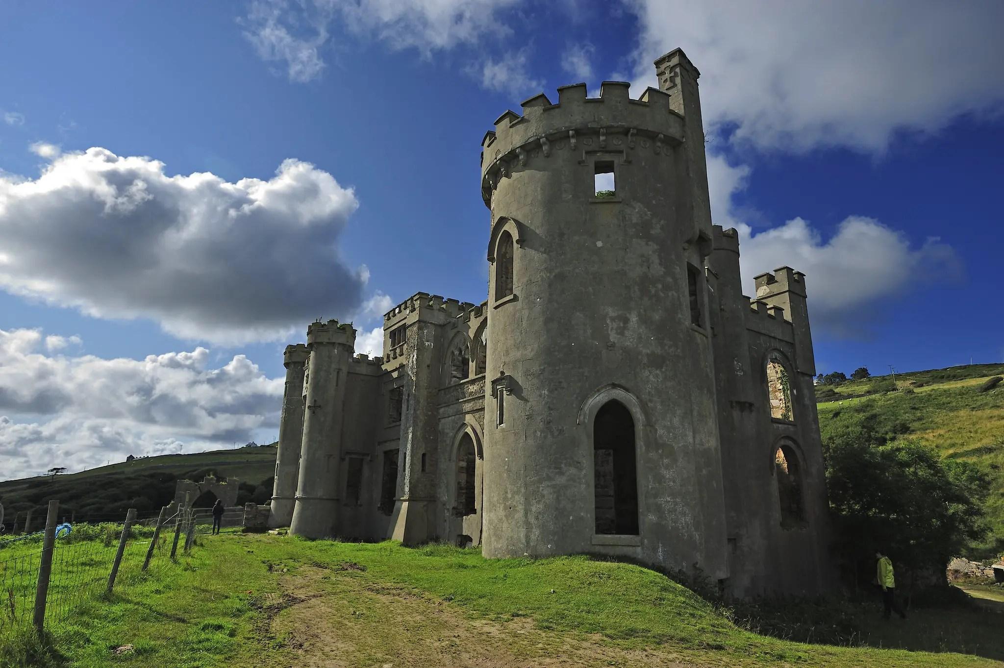 A tower at Clifden Castle