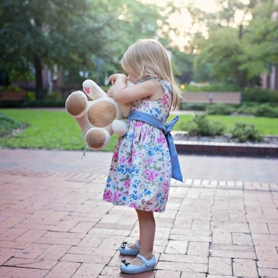 5 Tips for Traveling with a Toddler  [+ $100 Build-A-Bear Workshop Giveaway]