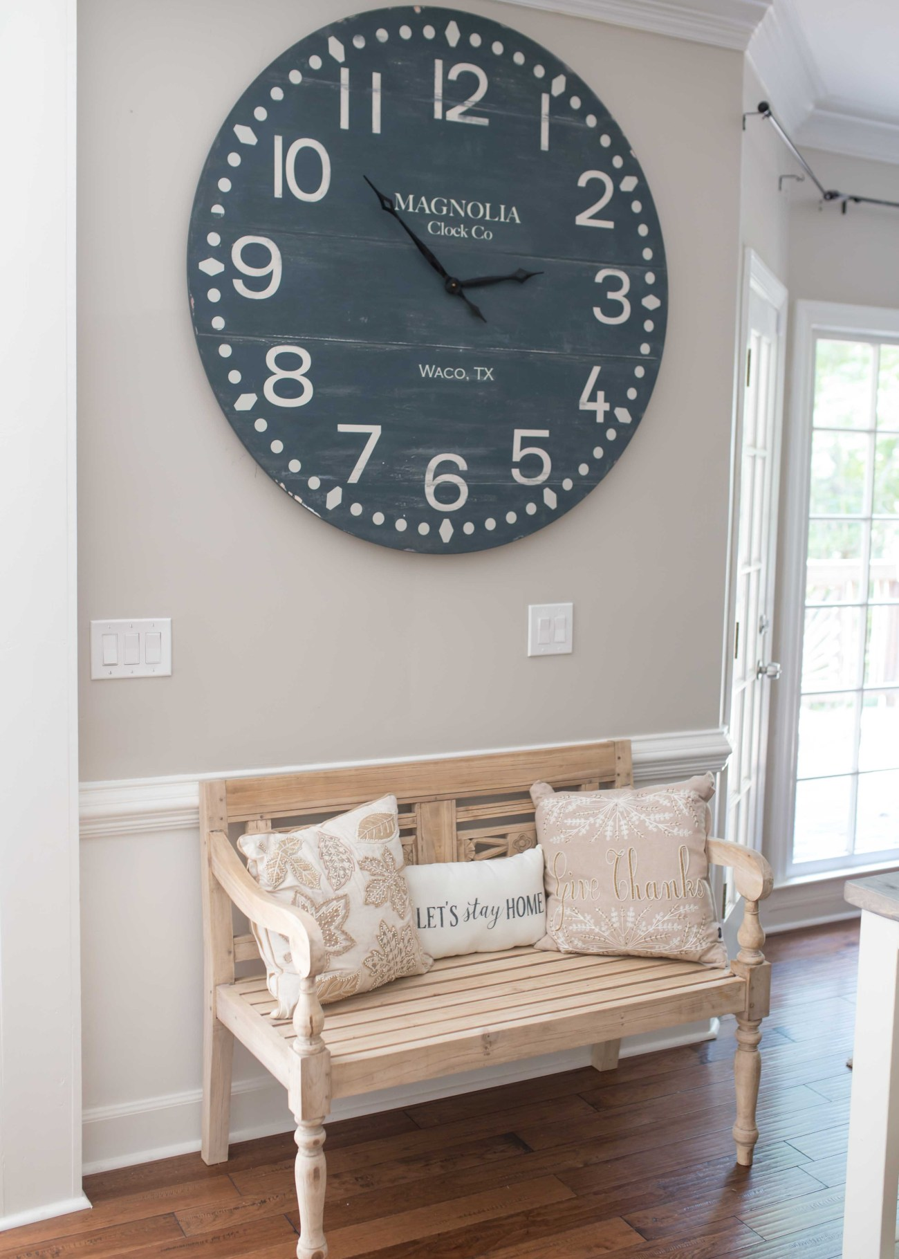 home entry bench Magnolia clock